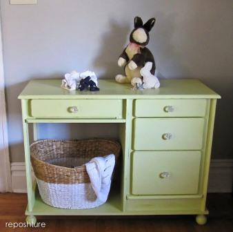 desk turned changing table reposhture dot blogspot dot com