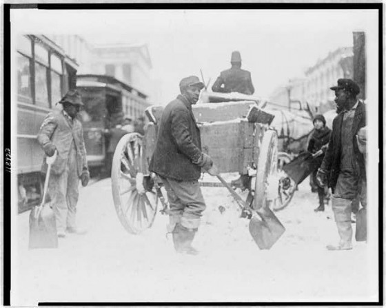 (Vintage photo from the Library of Congress, taken sometime between 1909 and 1932 - Men digging out a cart stuck in the snow on a DC street)
