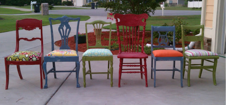 mismatched chairs Jessica Elliot allthingsthrifty billboard