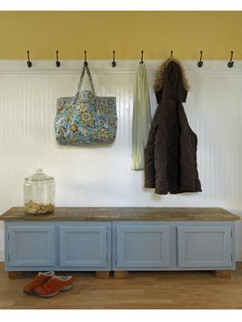 mudroom bench from DIY Network