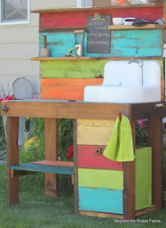 2014-06-potting-bench-from-bec4-beyondthepicketfence-dot-blogspot