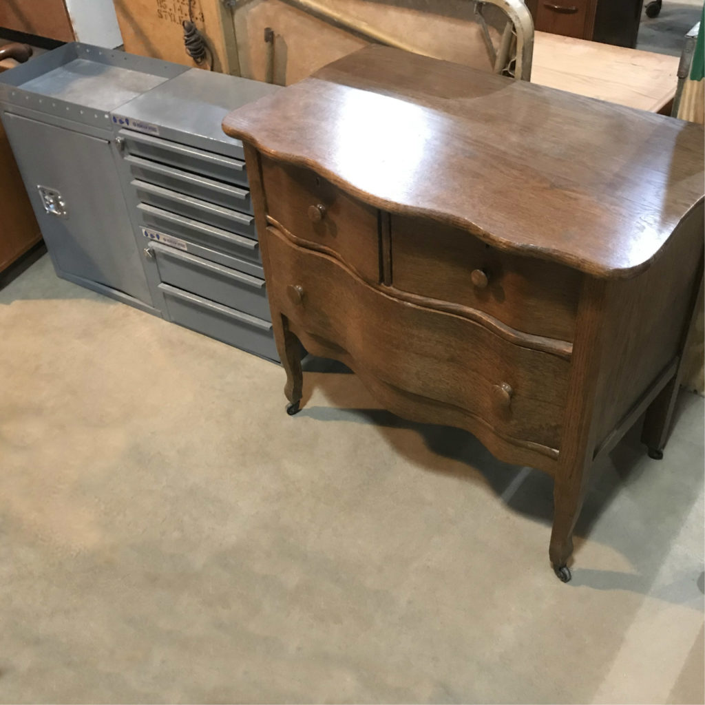 Furniture Sales This Weekend: Weekend Sale: Modern & Vintage Furniture